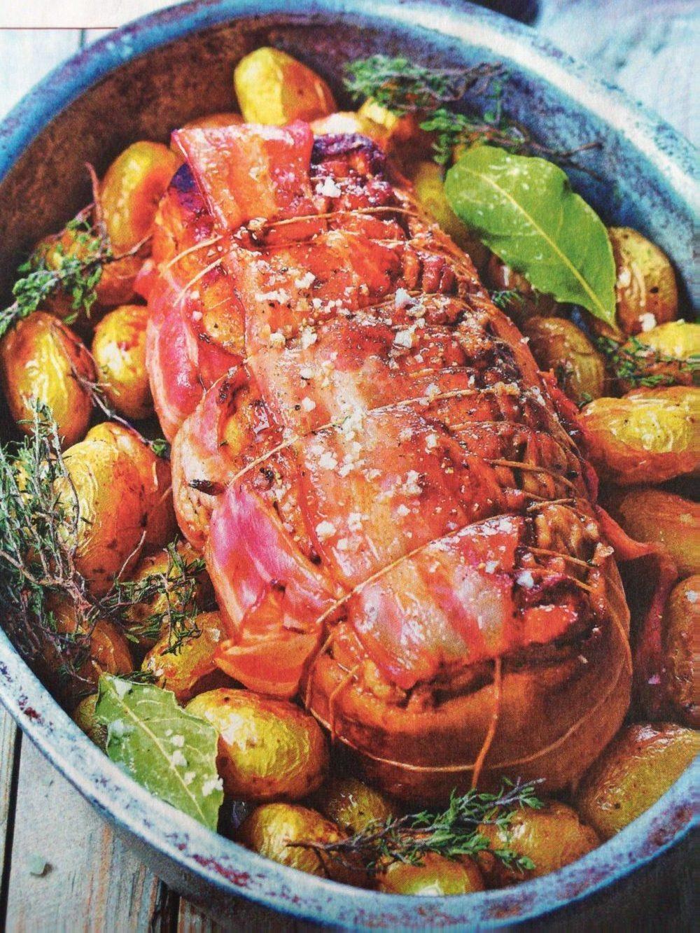 Rôti au lard et aux pommes de terre grenailles